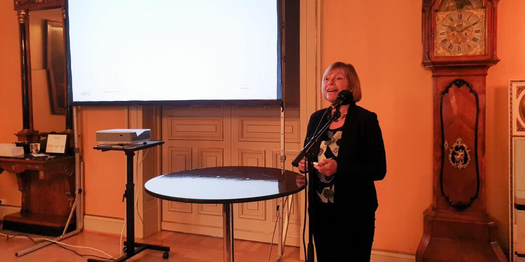 Hovedansvarlig for NIFUs Spesialkandidatundersøkelse, Liv Anne Støren, la frem sine resultater for blant andre forskning- og høyereutdanningsminister Iselin Nybø (V). Foto: Mats Arnesen