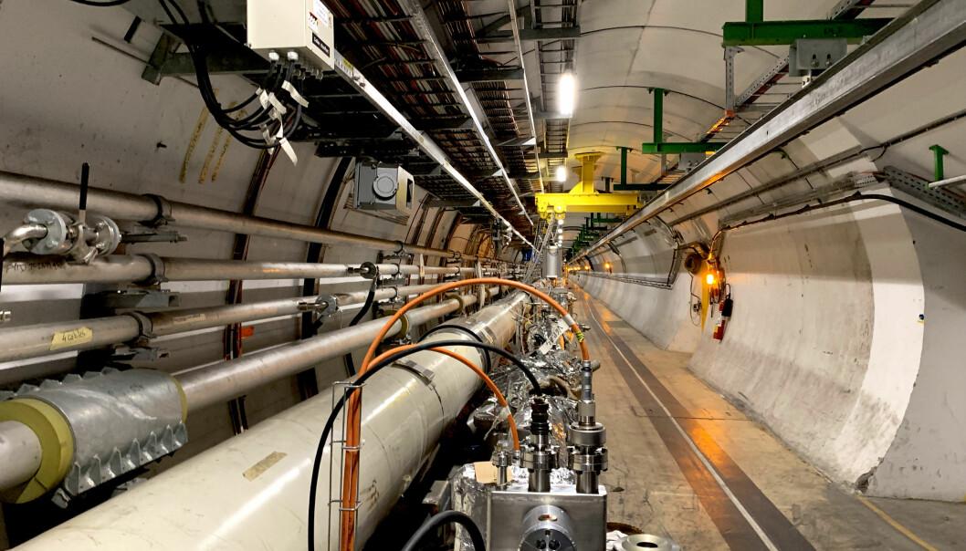 LHC strekker seg nesten tre mil under bakken mellom Sveits og Frankrike. Foto: Espen Løkeland-Stai
