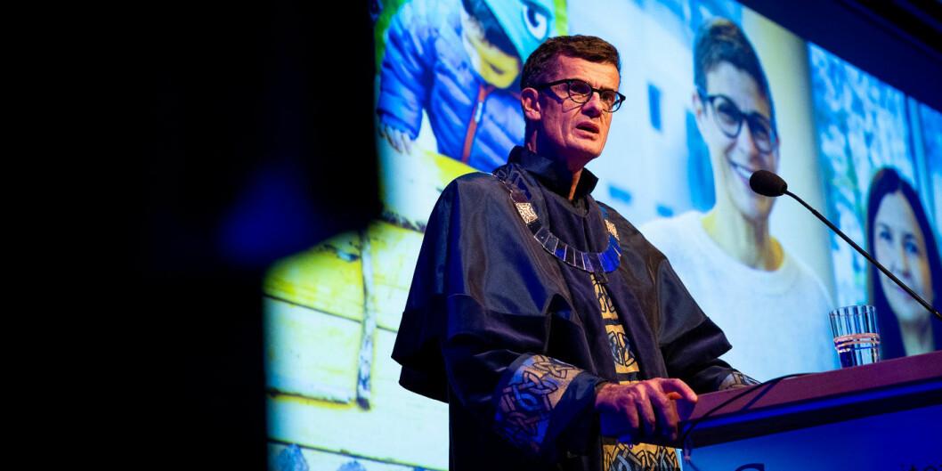 Klaus Mohn er fersk rektor ved UiS, og hadde sin første tale då universitetet feira seg sjølv og sine første 15 år. Foto: Mari Løvås, UiS
