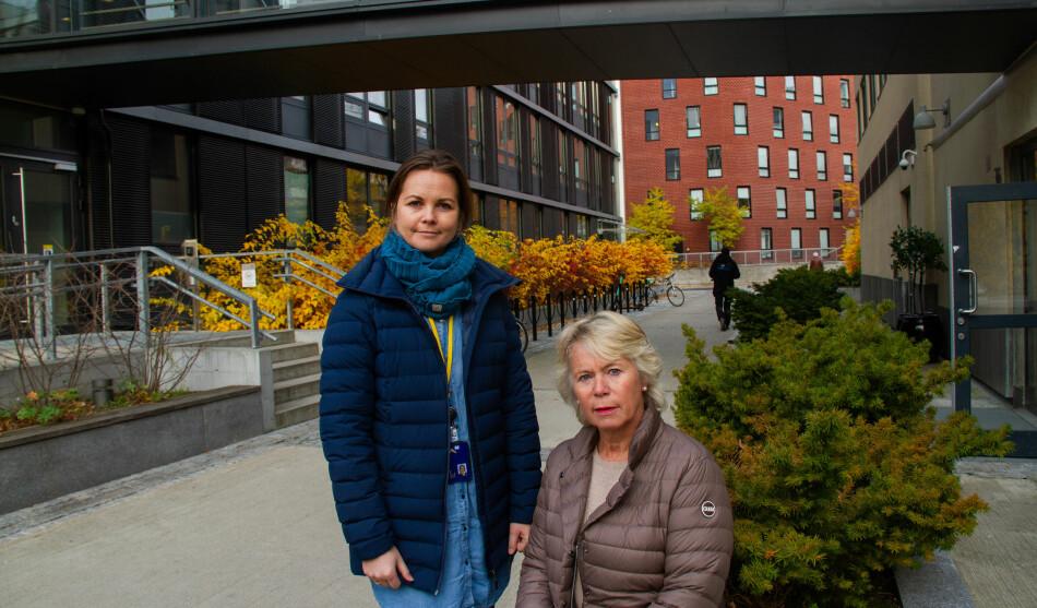 Fakultetsverneombud Celina Anker-Rasch (th) og universitetslektor Kari Anne Hoel ved Fakultetet for helsevitenskap ved OsloMet ser dystert på juleferien som venter. Foto: Mats Arnesen