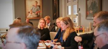 Lukka dørene for å diskutere Dag Rune Olsens NTNU-flørt