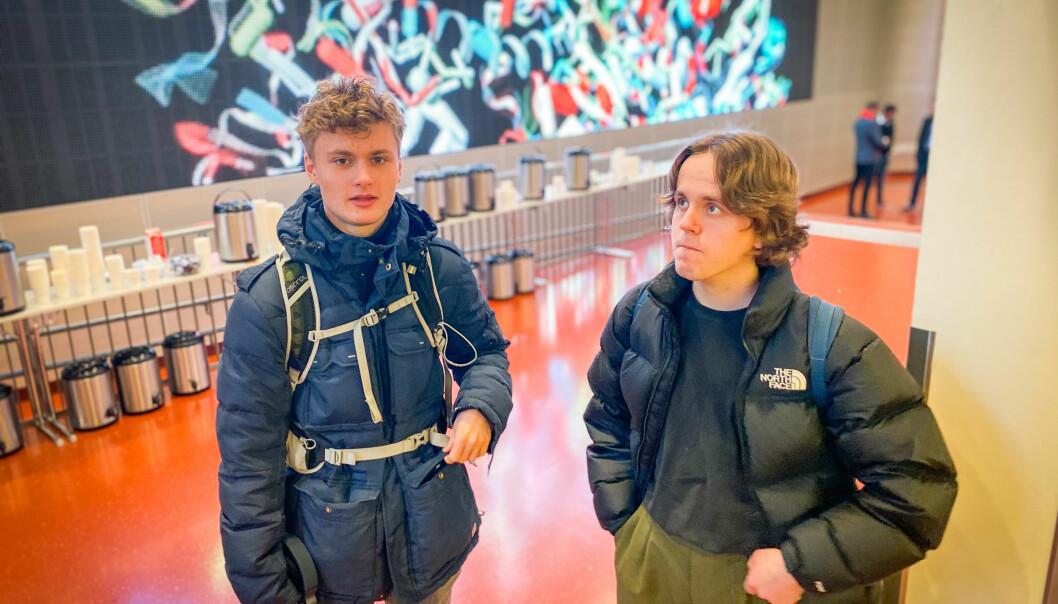Tarjei Sjøberg og Peder Skjemstad hadde forventet et annerledes studium i drama- og teaterkommunikasjon ved OsloMet. Foto: Torkjell Trædal