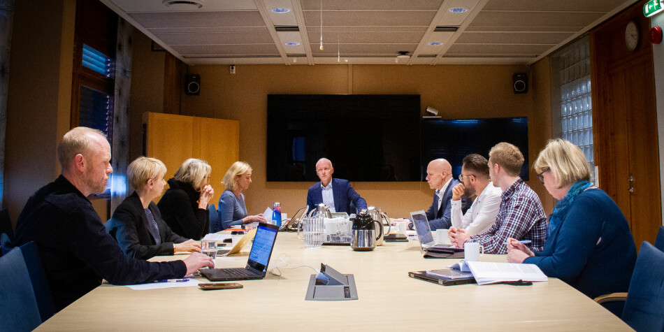 Styret ved Politihøgskolen under styremøte 23. oktober. I midten styreleder Hans Vik. Foto: Torkjell Trædal
