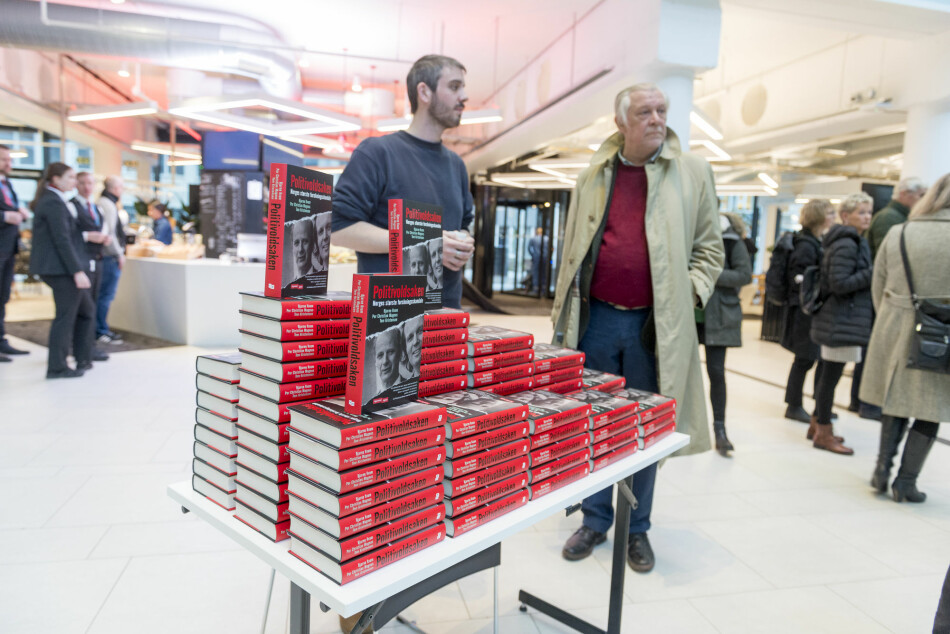 På norsk kaller vi denne metoden for brønnpissing, skriver Tore Hansen om arbeidet med boken «Politivoldsaken». Foto: Tor Farstad