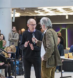 Dag Vaula arbeidet ved Haukeland sykehus, og samarbeidet med Gunnar Nordhus. Her i samtale med Per Christian Magnus. Foto: Tor Farstad