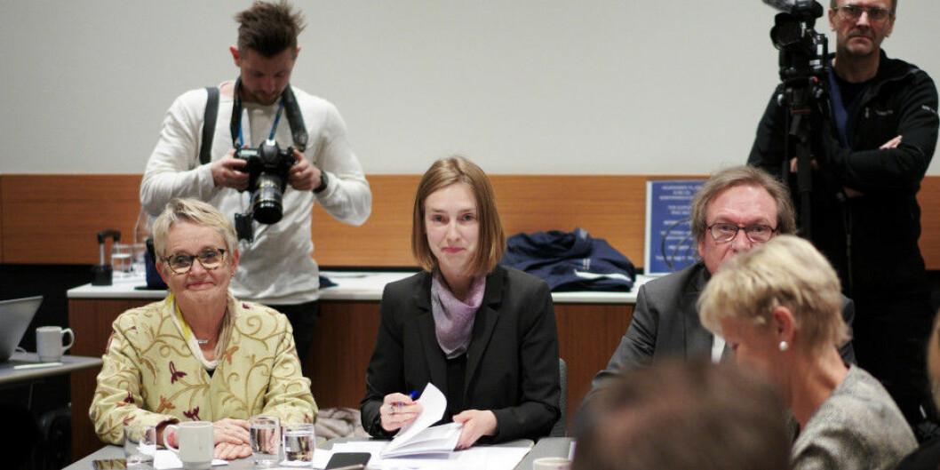 Nord universitets styreleder Vigdis Moe Skarstein, statsråd Iselin Nybø og Rolf Larsen (KD). Foto: Ketil Blom Haugstulen