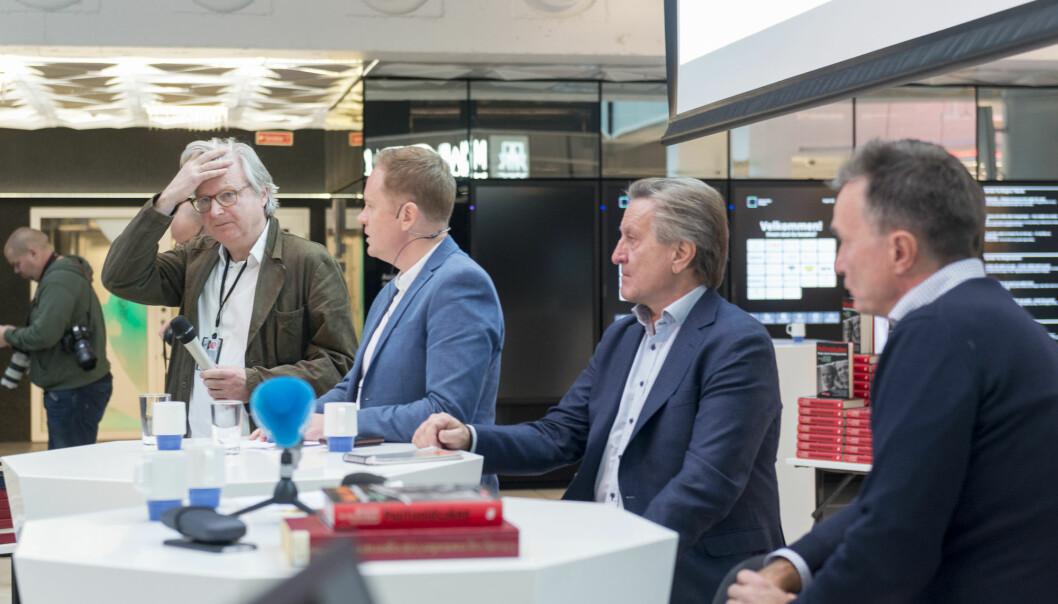 F.v: forfatter Per Christian Magnus, redaktør Frode Molven, forfatter Tom Kristensen og forfatter Bjarne Kvam under lanseringen av boken . Foto: Tor Farstad