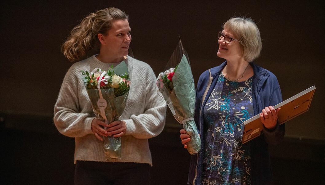 Laina Dalsbø og Karin Strand Johannessen delte årets arbeidsmiljøpris. Foto: UiT