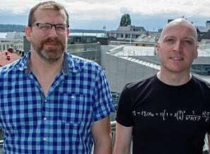 Høgskolelektor Bård Inge Pettersen (til venstre) og førsteamanuensis Per Kristian Rekdal opplever stor suksess med det nye undervisningsopplegget. Foto: Arild J. Waagbø, Panorama
