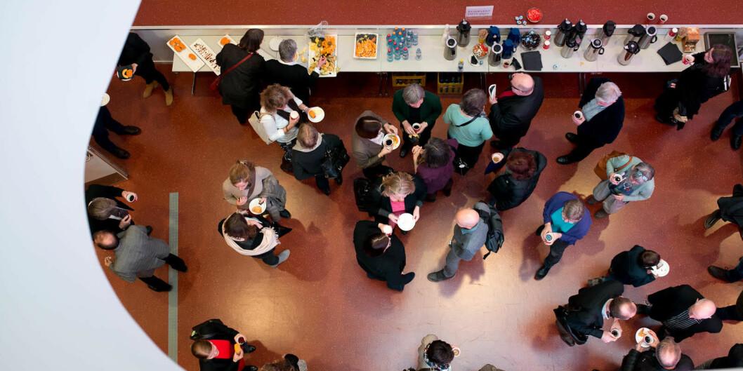 Vitenskapelig ansatte får stadig flere arbeidsoppgaver - antallet møter har steget, og det er innført flere nye systemer for rapportering og styring, skriver forfatterne av innlegget. Foto: Skjalg Bøhmer Vold