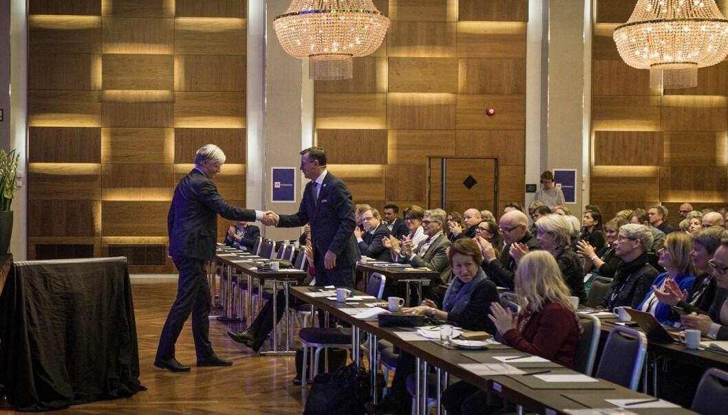 Klima- og miljøminister Ola Elvestuen (V) med de aller høyeste forventningene til universiteter og høgskoler. Foto: Siri Øverland Eriksen
