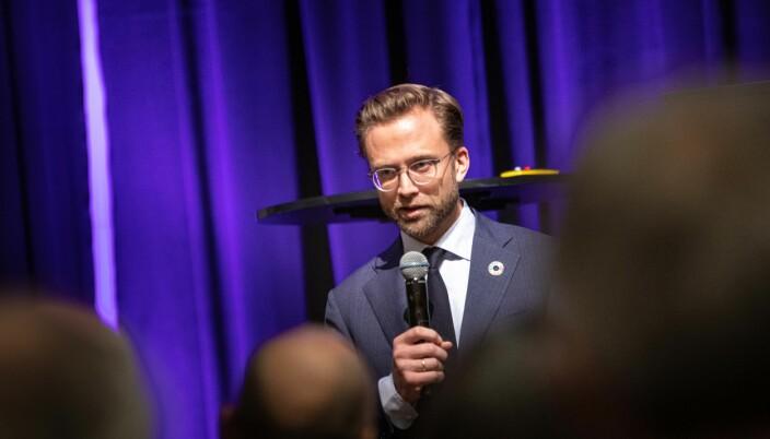 Kommunal- og moderniseringsminister Nikolai Astrup viser til en besparelse på 346 mill. kroner i 2019 i nye kontrakter som ble inngått der Statsbygg var rådgiver.