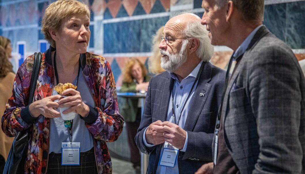 Her er prorektor for utdanning ved NTNU, Marit Reitan sammen med rektor Petter Aasen (USN) og viserektor USN; Nils Kristian Bogen (t.h.) under en UHR-konferanse i Oslo.