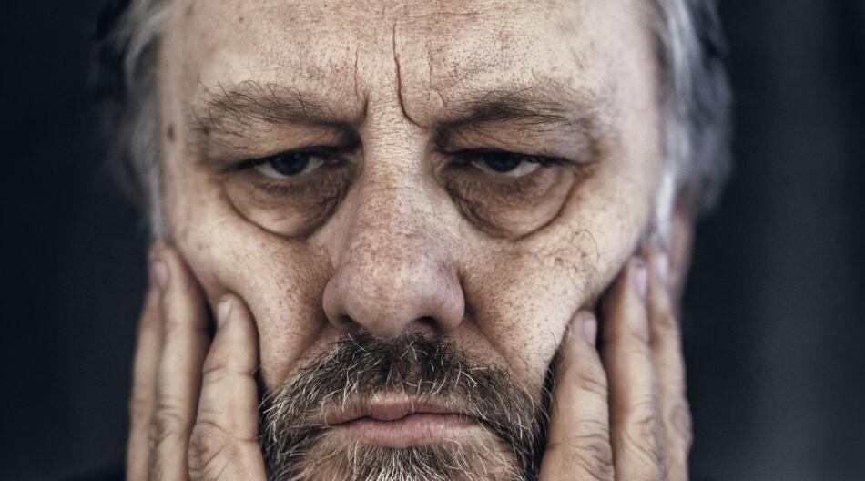 Psykoanalysen er ein av dei raude trådane i Slavoj Zizeks tenking. Marxismen er ein annan. No er den omstridde filosofen og forfattaren på veg til Bergen for å delta på Holbergdebatten. Foto: Antonio Olmos