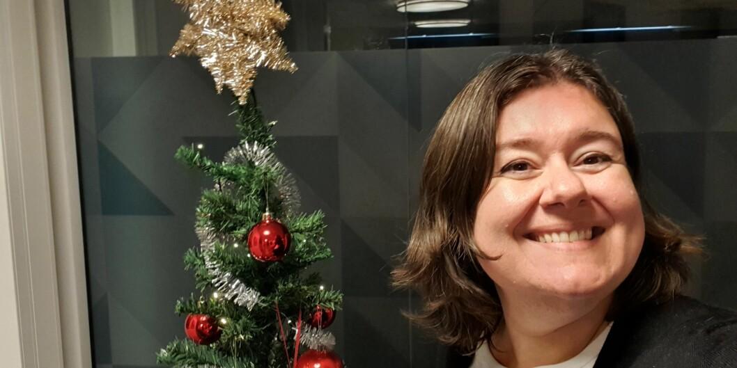 Kanskje ligg det ein robot under treet? Universiteslektor Klara Sjo ønskjer seg ein som kan svara på epost. Foto: Privat