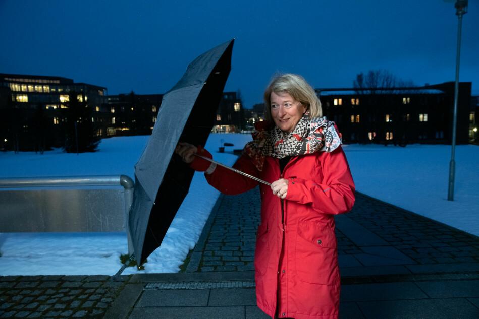 — Vi håper på «lakseeffekten»; at stedet der du har studert vil du vende tilbake til, som laksen som vandrer tilbake til der den ble klekket ut, sier rektor i Tromsø Anne Husebekk, og på lengre sikt: Klimaendringer. Foto: Lars Åke Andersen