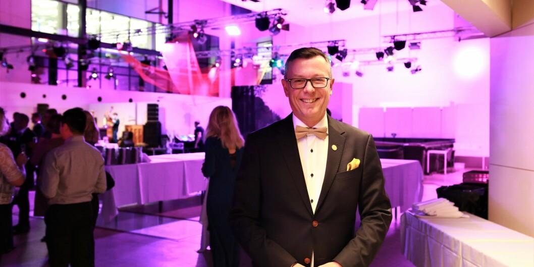 Rektor Dag Rune Olsen kunne ikke feire at han fikk ny rektorjobb ved NTNU fredag, men deltok på julebordet ved Universitetet i Bergen. Foto: Jan Willie Olsen