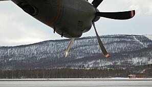 På Bardufoss er det både sivil og militær flyplass. Foto: flickr.com/paulio geordio