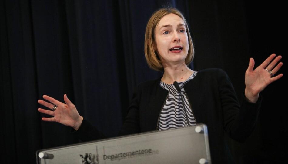 Statsråd Iselin Nybø håper universitetene og høgskolene vil være med på den grønne konkurransen hennes. Foto: Siri Øverland Eriksen