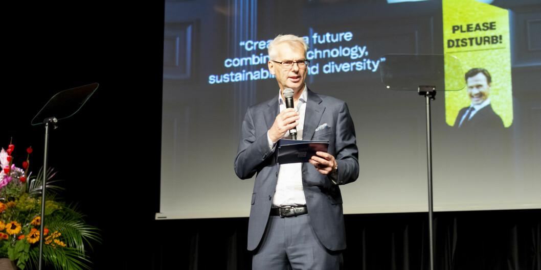 Rektor Øystein Thøgersen ved NHH ville helst hatt ansatte instituttledere, men åpner for kompromisser før styret skal avgjøre saken i mars. Foto: Tor Farstad