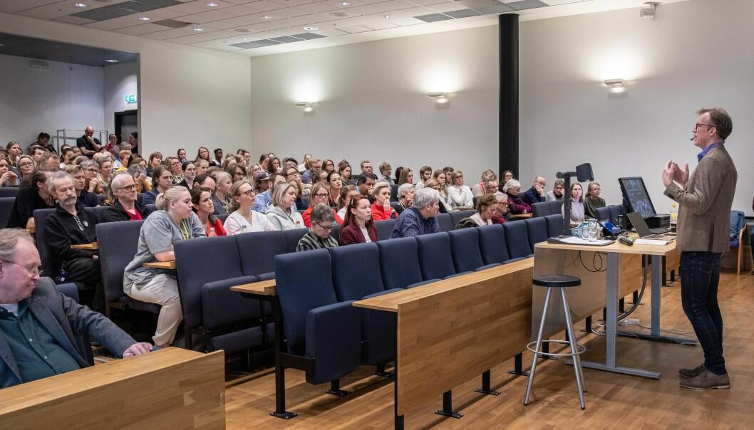 Ansatte og studenter ved OsloMet møtte torsdag ettermiddag opp for å komme med innspill og spørsmål til rektor Curt Rice om fremtiden til studiestedet Kjeller. Foto: Siri Øverland Eriksen