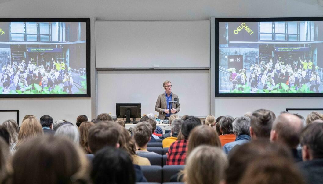 Mange møtte opp i auditoriet på Kjeller for å lufte sine synspunkter om en samlokalisering. Foto: Siri Øverland Eriksen