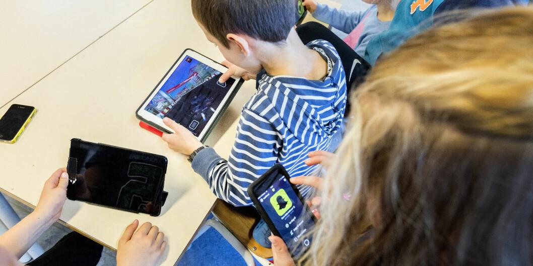 Rammeplanen for barnehager som ble innført i 2017 legger opp til at digitale verktøy skal ta si bruk i barns lek og læring. I Bergen driver forskere studier på barn som blant annet skal føre til design av nye digital spill for å støtte flerspråklige barns utvikling. Foto: Gorm Kallestad / NTB scanpix