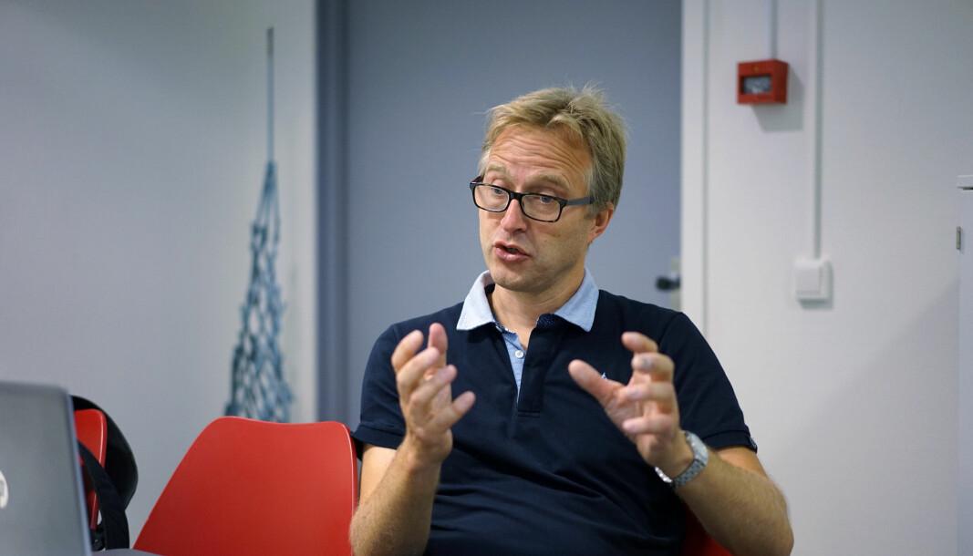 Arnstein Bjørke, Akademika, forlegger/eier Forlagshuset Vigmostad & Bjørke