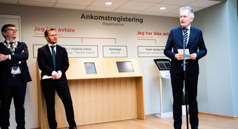 Ledelsen ved Universitetet i Oslo risikerer dundrende underskudd. Konsulenter foreslår å sende regningen nedover.