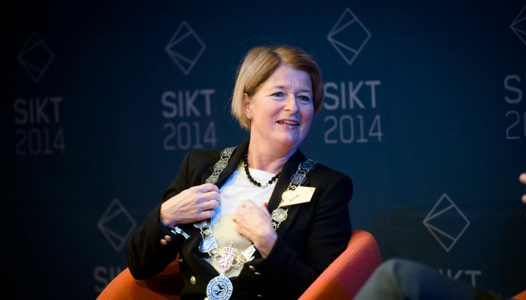Universitetsrektor i Tromsø, Anne Husebekk (bildet), er en av flere som har irritert Atle Simonsen ifølge hans innlegg.
