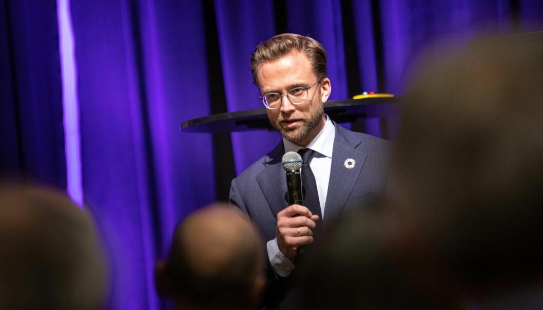 Nicolai Astrup åpner bærekraftkonferansen i Bergen. Foto: Siri Øverland Eriksen