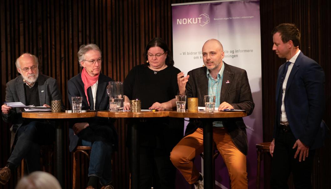Ronny Kjelsberg (nummer to fra høyre) i Nokut-debatt. Kjelsberg har hele tiden vært en av kritikerne av stor-NTNU, og er fremdeles kritisk - fem år etter fusjonen.