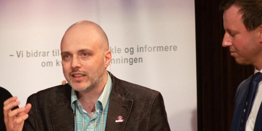 Universitetslektor Ronny Kjelsberg ved NTNU er kritisk til NTNUs hastetiltak for å bidra til smittesporing ved et eventuelt koronautbrudd.
