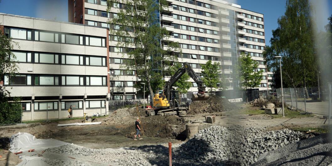 Norske studenter bruker store deler av inntekten sin på å bo. Bildet viser arbeidet med nye studentboliger på Kringsjå i Oslo. Foto: Ketil Blom Haugstulen