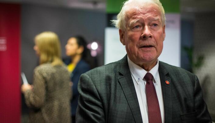 Mangeårige stortingsrepresentant for Frp, Carl I. Hagen, er skuffet over svaret til statsråd Henrik Asheim.