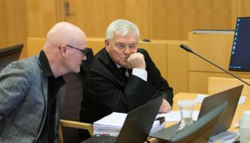 Nils Rune Langeland og forsvarer Kjell M. Brygfjeld i tingretten i Oslo der Langeland hadde gått til sak for uslovlig avskjed ved Unviersitetet i Stavanger.