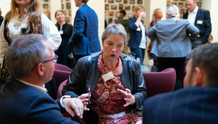 Nord-rektor Hanne Solheim Hansen på høring i Stortinget om nedleggelsen av Nesna.