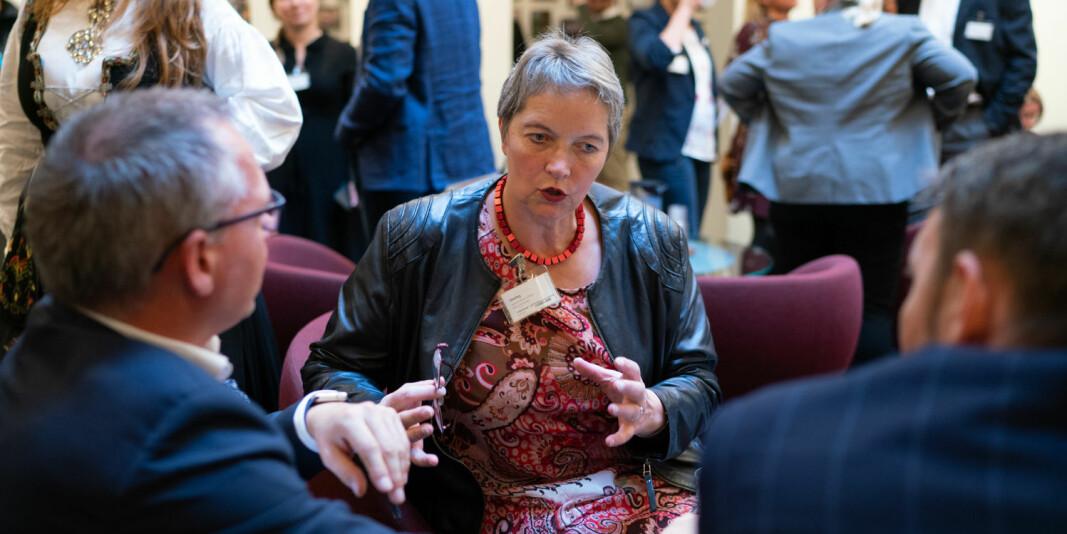 Rektor ved Nord universitet, Hanne Solheim Hansen, mener både nedleggelsen og endring av studiested fra Nesna til Mo i Rana er lovlig og gyldig. Her avbildet da det var høring på Stortinget om nedleggelsen.