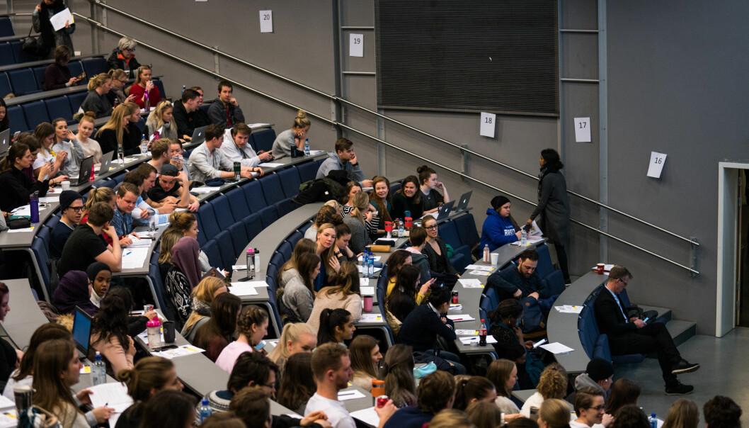 Forelesning i før-koronatid. Studentene håper regjeringen har vektlagt studers rettigheter og læringsmiljø sterkere enn de forsalgene som ble presentert for et år siden.