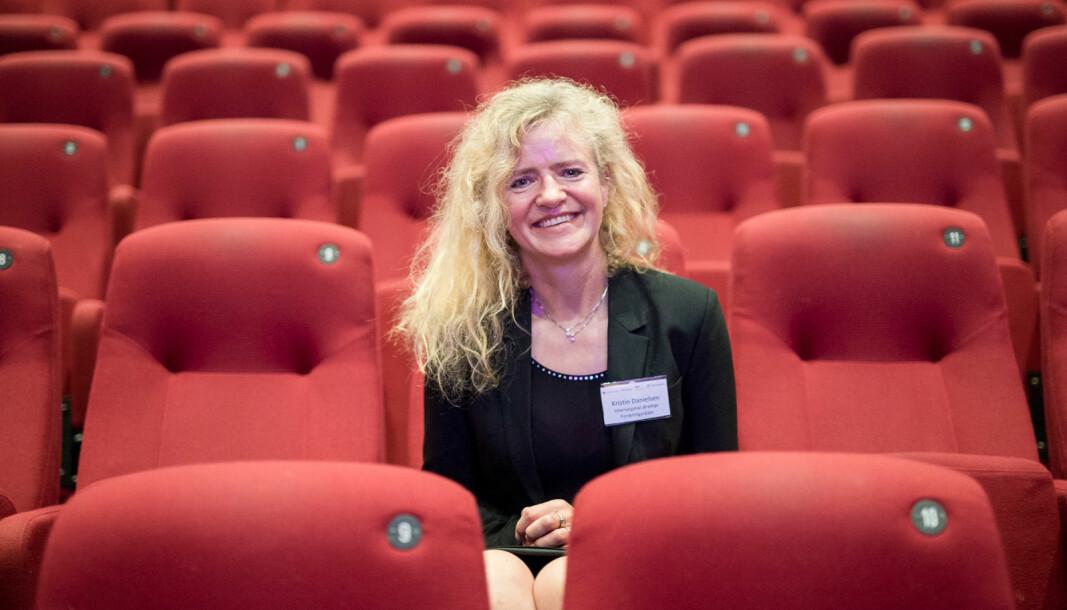 Områdedirektør i Forskningsrådet, Kristin Danielsen, kan smile bredt for rekordnoteringer i antall søknader til både Sentre for fremragende forskning og Nasjonal satsing på forskningsinfrastruktur.