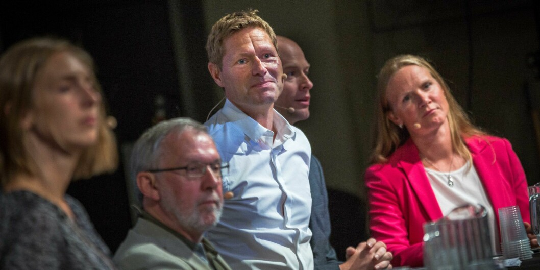 Sveinung Skule i panel blant annet med Iselin Nybø, Harald Stanghelle og lengst til høyre daværende uhr-leder og NMBU.rektor, Mari Sundli Tveit.