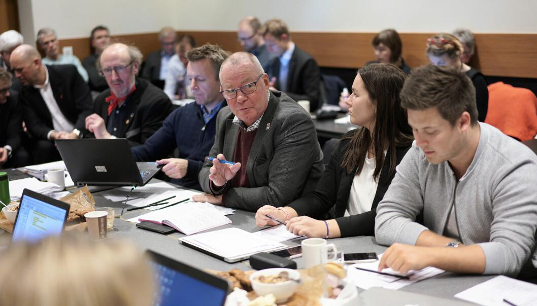 Forslaget til ny norsk universitets- og høgskulelov risikerer å legitimere direkte styring frå statsråden av institusjonane, meiner den svenske professoren, tidlegare universitetsrektoren og no generaldirektør i Sveriges svar på Nokut, Anders Söderholm. Han er også styremedlem ved Nord universitet.