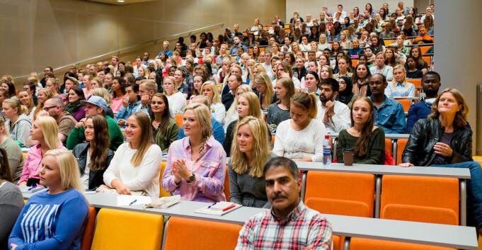 Nordmenn med innvandrerforeldre tar oftere høyere utdanning enn andre