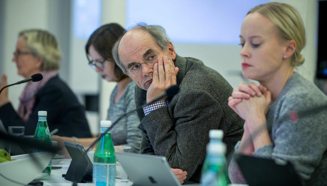 Ansattrepresentant og filosofiprofessor Olav Gjelsvik under et styremøte ved Universitetet i Oslo. Han mener at styrearbeid er både givende og frustrerende.