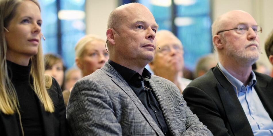 Historieprofessor Einar Lie (i midten) ved UiO har ledet utvalget som gikk i oppdrag å utrede muligheten for særfinansiering av små utsatte humanistiske fag. Arkivfoto: Ketil Blom Haugstulen