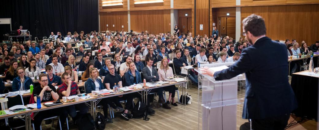 Daværende kunnskapsminister Torbjørn Røe Isaksen på landsmøtet til NSO i 2019. I år, som i fjor, blir landsmøtet og valg av ny ledelse, digitalt.