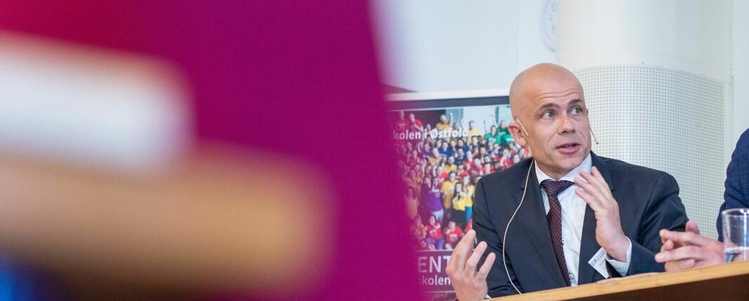 Lars-Petter Jelsness-Jørgensen, rektor ved Høgskolen i Østfold, er fortsatt en av dem som er innrullert som reservepersonell i helsevesenet under koronapandemien.