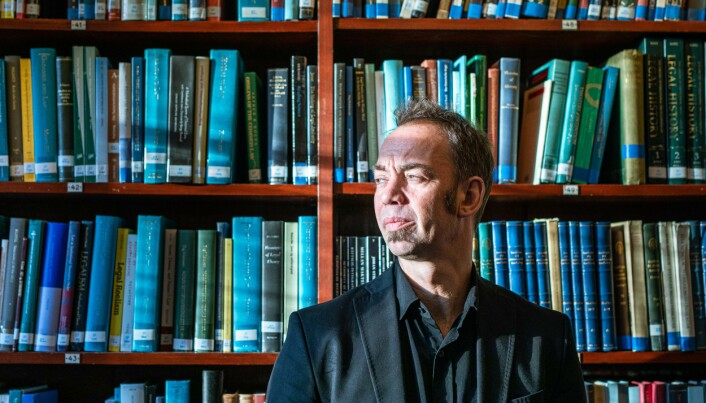 Jussprofessor Malcolm Langford er vant til å tenke digital undervisning. Det er det ikke alle som er.