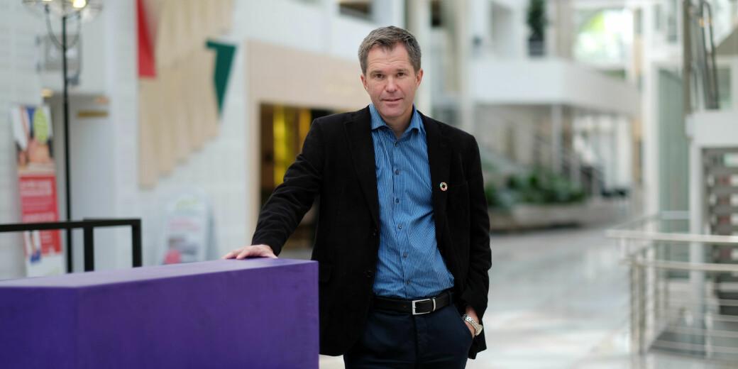 Administrerende direktør i Forskningsrådet, John-Arne Røttingen, ser lyst på at såpass mange har meldt sin interesse for å bidra i kampen mot koronaviruset.