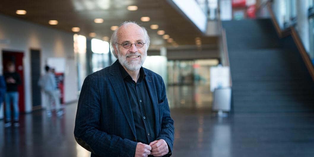 Petter Aasen både forsker og veileder, og vil fortsette med det.
